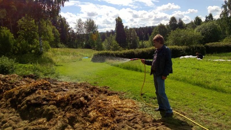 claes i trädgård